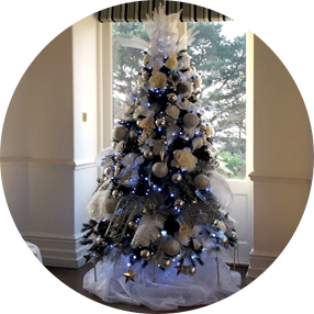 home interiors outdoor trees shrubs bushes decorators - Christmas Tree Decorating Service