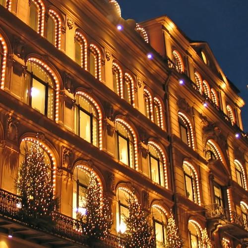 large building_Christmas_Lights_